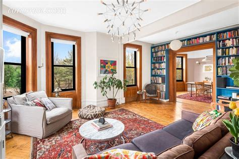 Cool Sophisticated New York Apartment by Cheery Prospect Park Condo Is House Sized With A Smart