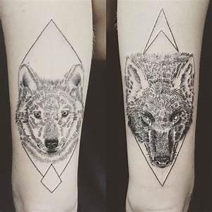 Tatouage Loup Graphique : graphisme et dotwork chez la tatoueuse jess ika openminded ~ Mglfilm.com Idées de Décoration