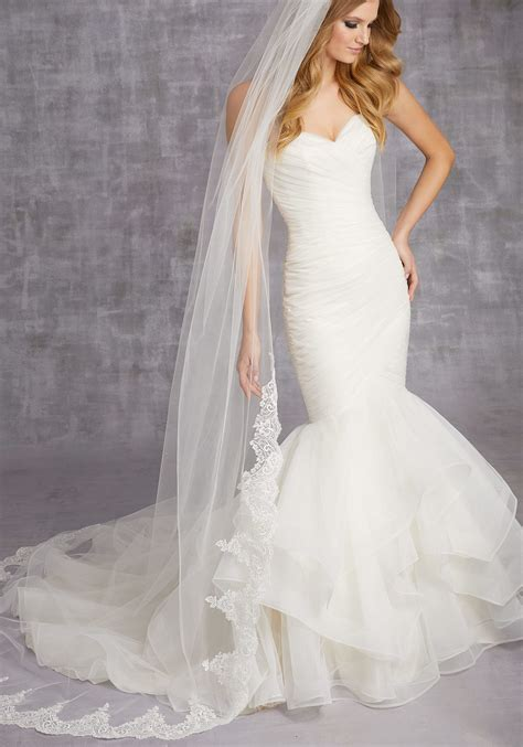 Scalloped Lace Veil Beaded With Clear Sequins Style