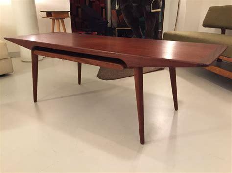 daenischer klubtisch aus teak elastique zuerich vintage