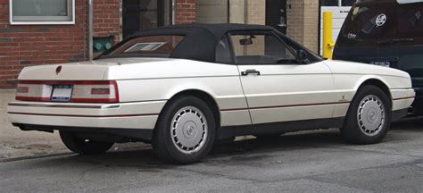 File:1991 Cadillac Allanté rear.jpg - Wikimedia Commons