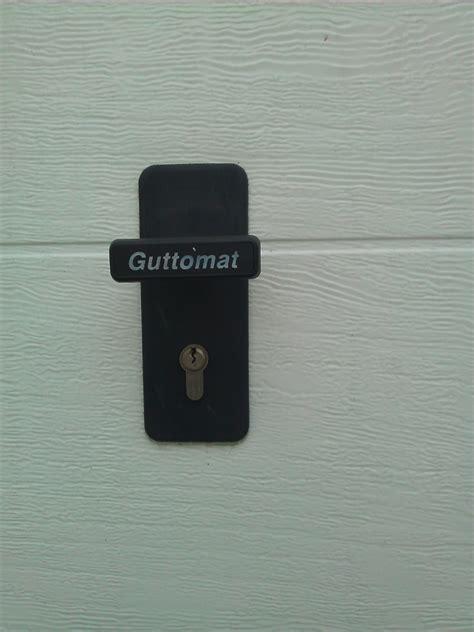 poignee de porte de garage sectionnelle pb de jeu serrure porte de garage sectionnelle