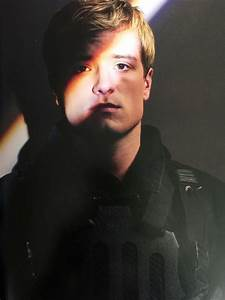 PanemPropaganda - New images of Josh Hutcherson as Peeta ...