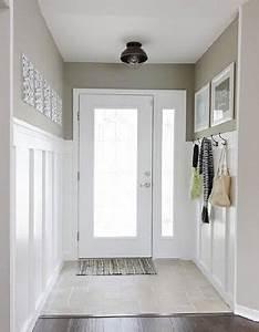 Deco entree maison peinture blanche et lin for Decoration d une entree