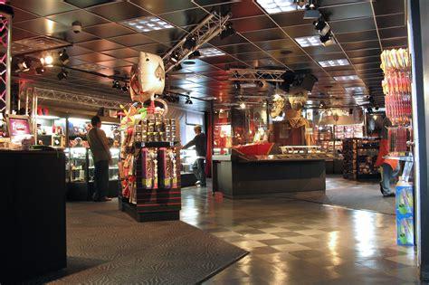 nycs  magic shops