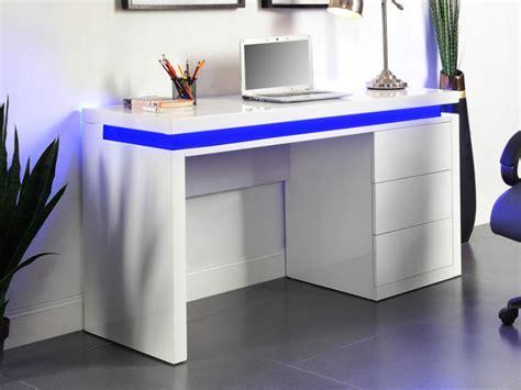 bureau peu encombrant bureau emerson 3 tiroirs mdf laqué blanc leds