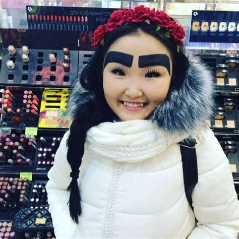 russian fashion blogger   crazy eyebrows  pics
