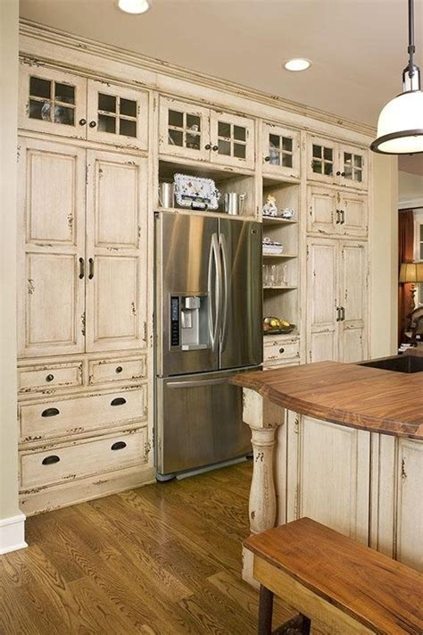white distressed kitchen cabinets cuina amb mobles r 250 stics kitchen distressed 1290