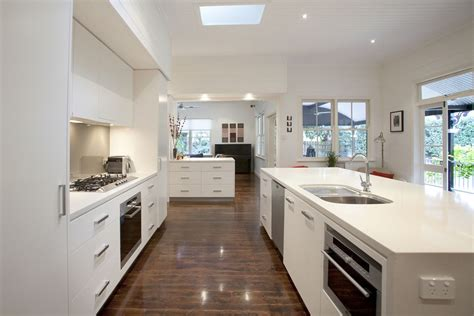 Traditional Kitchen Design Ideas - graceville modern kitchen by makings of fine kitchens