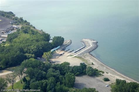 Boat Service Erie Pa by East Avenue Boat Launch In Erie Pennsylvania United States