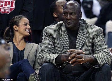 Michael Jordan's fiancee Yvette Prieto 'has signed prenuptial agreement' to protect basketball