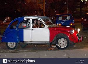 2 Chevaux Citroen : citroen 2cv or french deux chevaux auto red white and blue with woman stock photo 4024571 alamy ~ Medecine-chirurgie-esthetiques.com Avis de Voitures