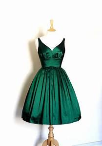 Dig For Victory. Emerald Green Taffeta Sweetheart Prom Dress