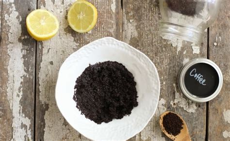 Think of this mask just like your morning cup of coffee. 5 Easy DIY Coffee Face Masks For Clear And Radiant Skin ...
