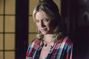 Is Amy Smart the Woman to Finally Force Raylan Givens to ...