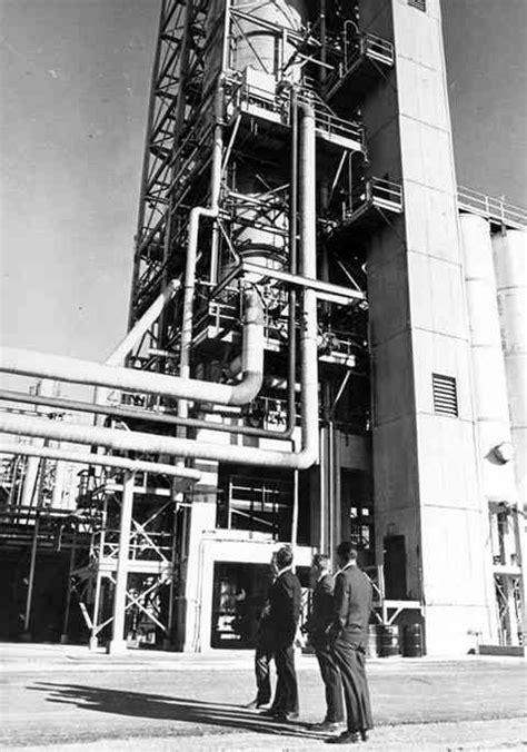 Refining Wyoming's Oil for 120 years | WyoHistory.org