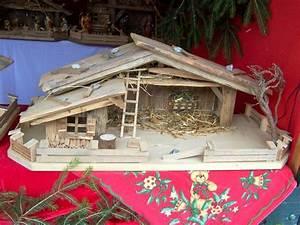 Weihnachtskrippe Holz Selber Bauen : pin von sabine auf krippe weihnachtskrippe krippe weihnachten und weihnachtskrippe holz ~ Buech-reservation.com Haus und Dekorationen