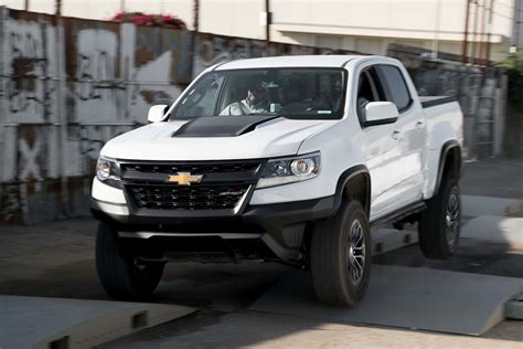 auto showdown  chevrolet colorado zr   toyota