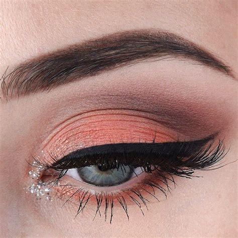 Макияж с блестящими тенями фото . Beauty Insider