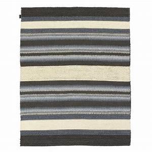 tapis de qualite en laine a rayures tons bleus mood par angelo With tapis de qualité