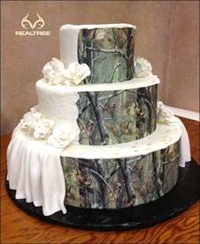 camo wedding cake ideas pin by andrea ellison on when i get married