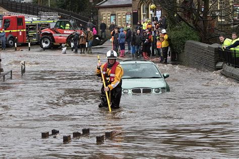 grough — Mountain rescuers from across country in action ...