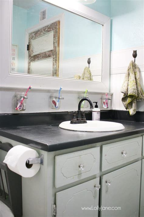 Bathroom Countertops Ideas by I Chalk Painted My Countertops Bathroom Bathroom