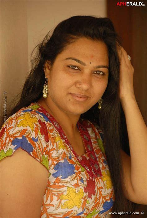Hema Telugu Actress Hot