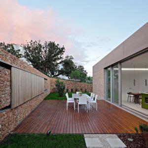 rangement arri鑽e cuisine maison contemporaine olive house par log urbis pag croatie construire tendance