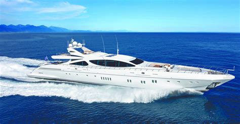 World Cat Boats Ta by Yachts For Sale Uk Luxury Yachts Motor Yachts And Sailing