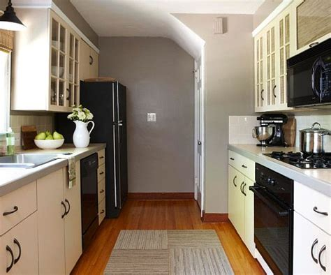 galley kitchen makeover best 20 galley kitchen redo ideas on 1164