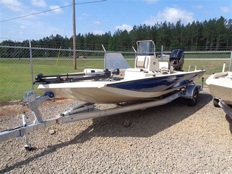 Lowe Bay Boats by 2016 New Lowe Boats 20 Bay Center Console Fishing Boat For