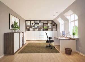 Büro Zuhause Einrichten : einrichten ~ Frokenaadalensverden.com Haus und Dekorationen