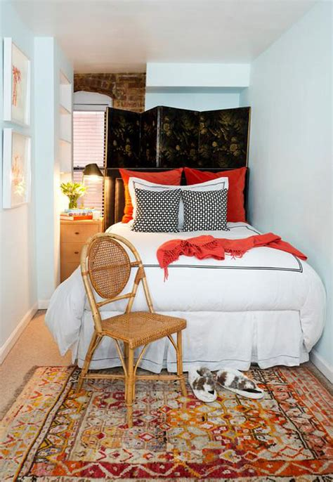 Light In Your Bedroom by Small Bedroom Decorating Ideas Dhlviews