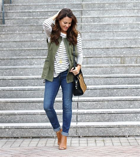 Cute Military Vest Outfit Perfect For Transitioning Into Fall