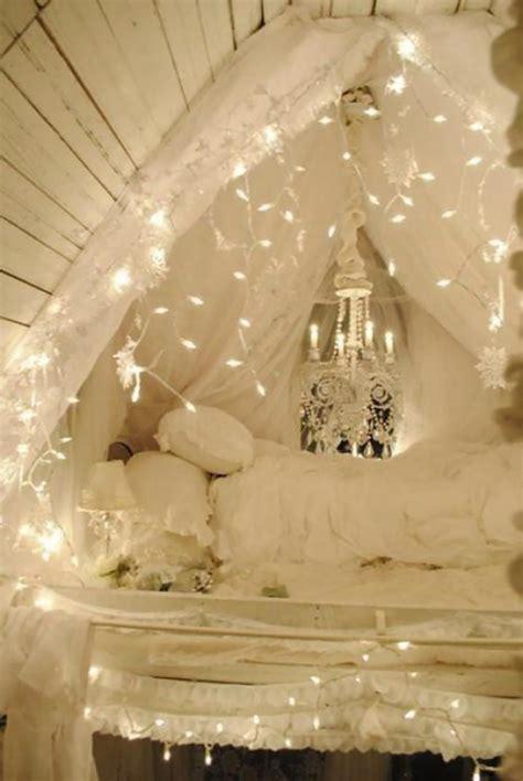 idee de deco de chambre intéressante décoration de noël pour une chambre sympa