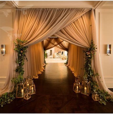 20 Creative Wedding Entrance Walkway Decor Ideas   Deer