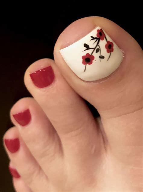 Uñas sencillas para navidad uñas de pies sencillas decorados para uñas cortas uñas de gel bonitas uñas decoradas navideñas uñas bonitas ¡hola amantes de las uñas decoradas! Decoración de uñas para pies ¡+30 Diseños para lucir pies increíbles!