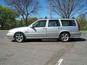 1998 Volvo V70 Base Wagon 4
