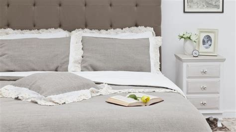 housse de canapé grande taille dessus de lit matelassé ou plat ventes privées westwing
