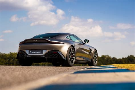 Aston Martin Vantage Hd Picture by Aston Martin Vantage Pictures Evo