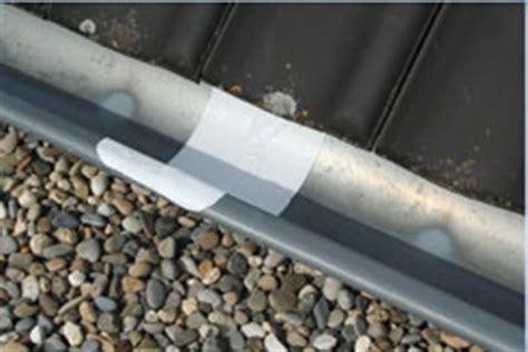 lekke dakgoot repareren zinken dakgoot repareren met dakgoot reparatietape