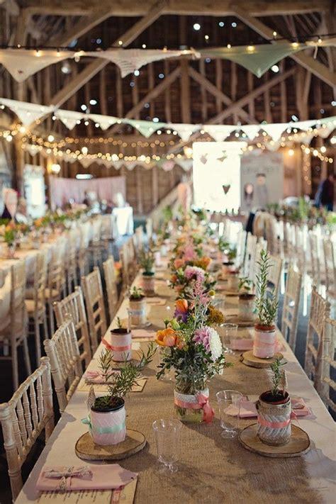Inspiration déco : une jolie ferme pour un mariage Table