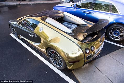 Gold Bugatti Veyron Draws Crowds And Police Sell Seized