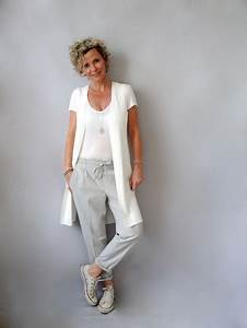 Sportliche Outfits Damen : mode f r 50 j hrige ~ Frokenaadalensverden.com Haus und Dekorationen