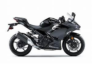 Kawasaki Ninja 400 : 2018 kawasaki ninja 400 officially revealed will come stateside autoevolution ~ Maxctalentgroup.com Avis de Voitures