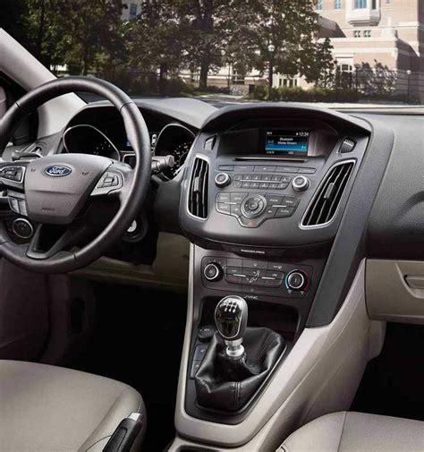 ford focus sedan hatchback