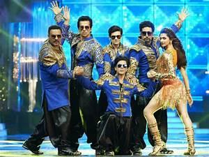 'Happy New Year' (HNY) Review: Shah Rukh Khan Rocks ...