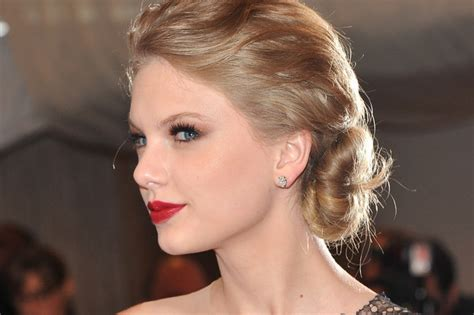Celebrity Inspired Valentine Day Hair Makeup Ideas