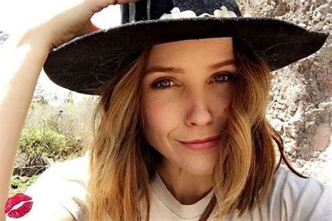 829 Best Oc Face Claim Sophia Bush Images On Pinterest